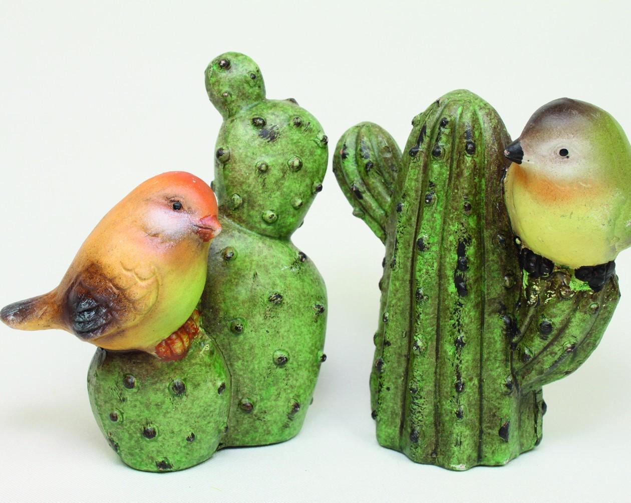 Ensemble de 12 oiseaux sur cactus