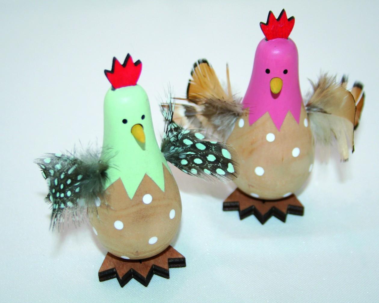 Lot de 16 poules en bois avec plume