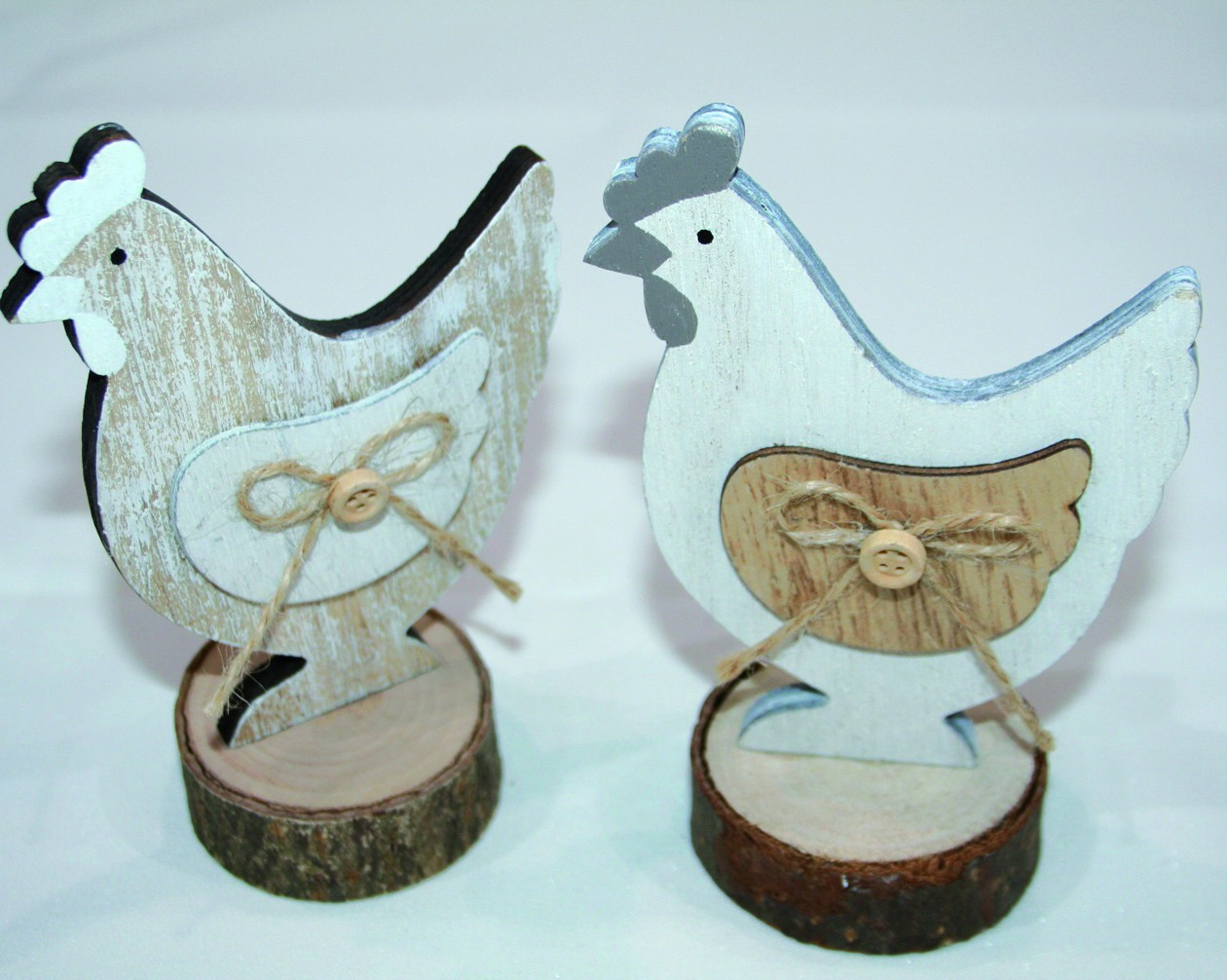 Ensemble de 12 lapins en bois sur socle