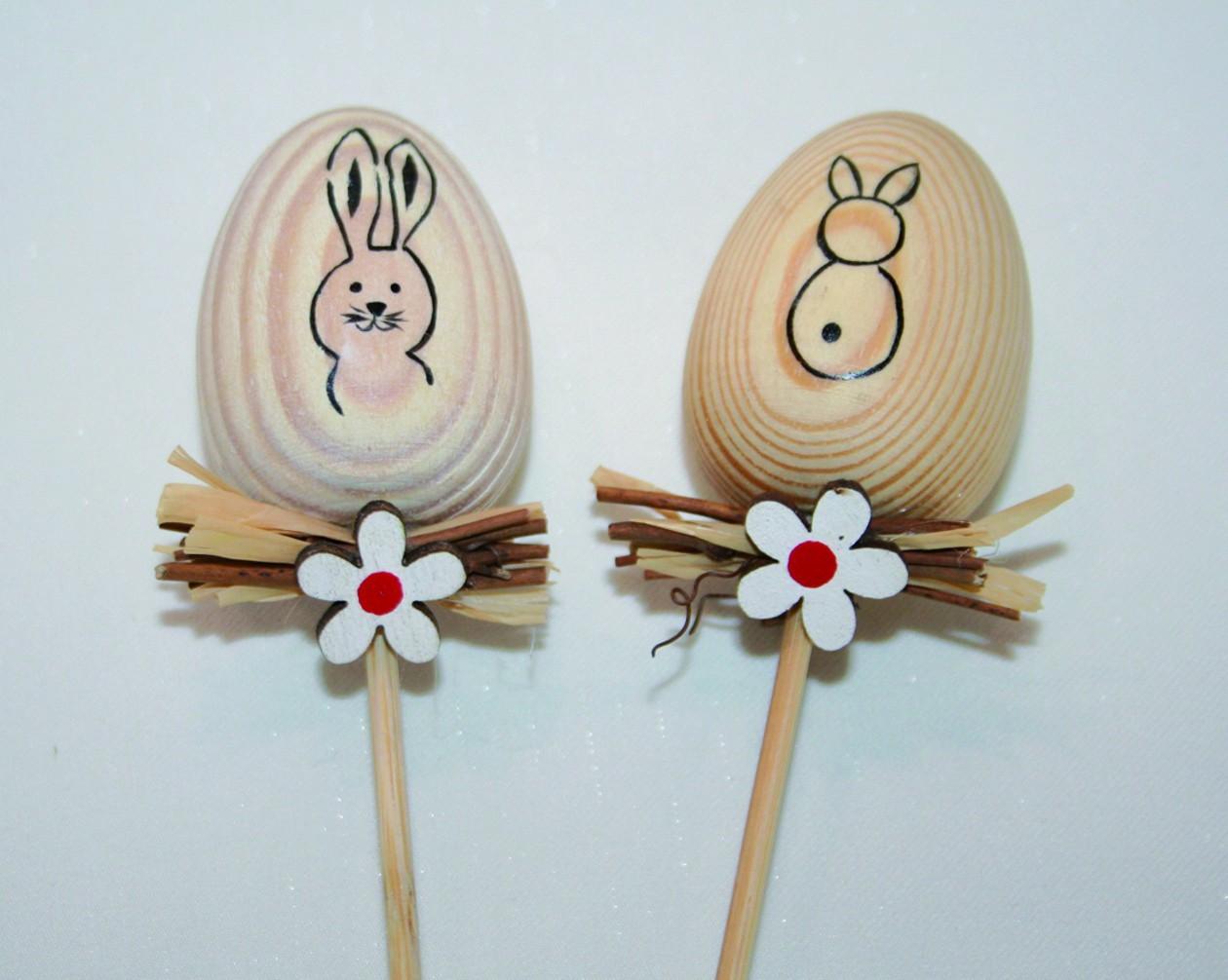 Lot de 12 piques œufs en bois décorés