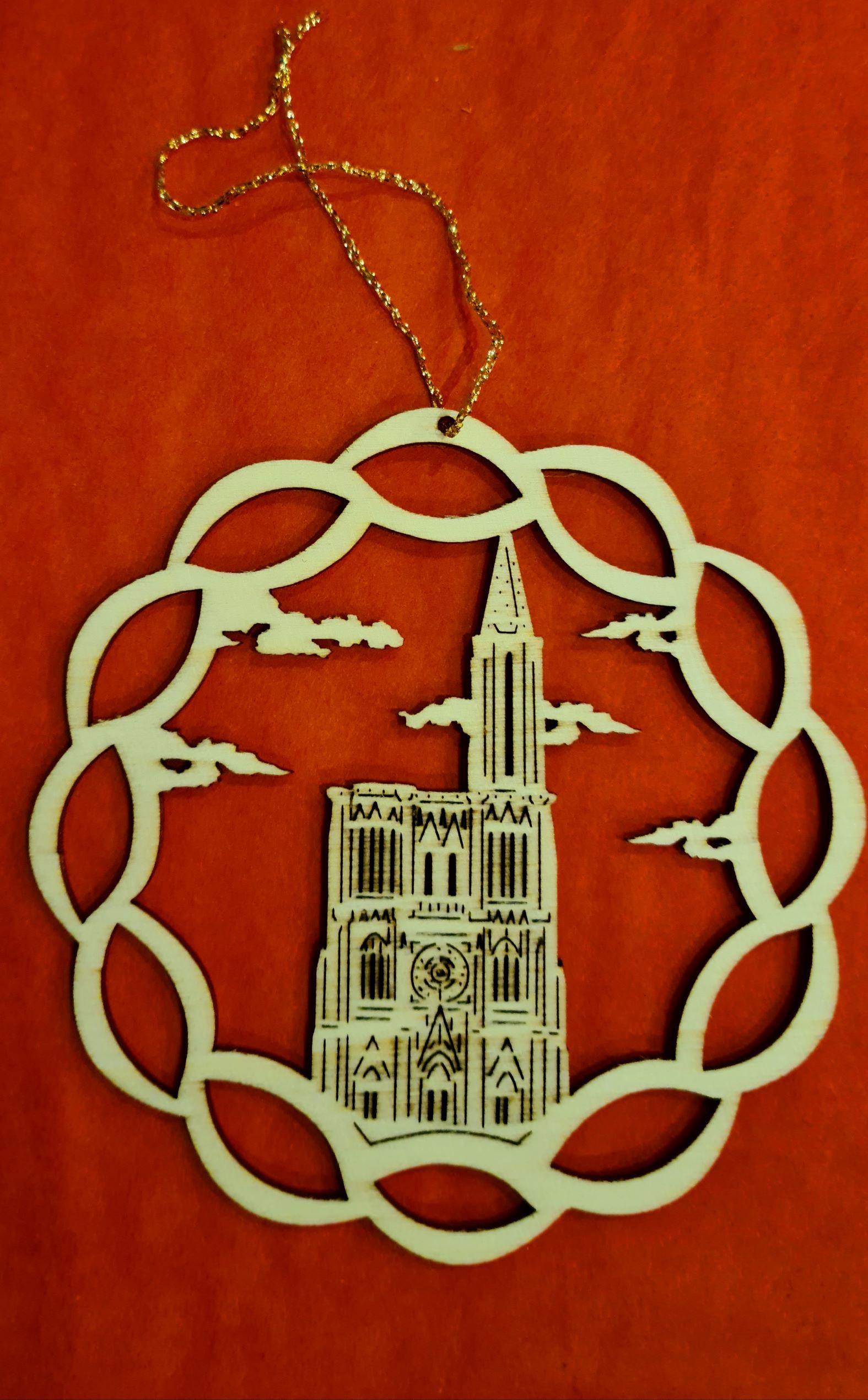 Lot de 12 étoiles dec/laser cathédrale Strasbourg 9cm